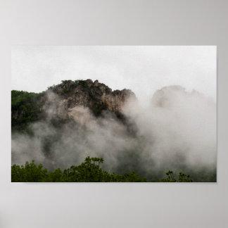 Póster Rocas del Seneca en la nube, Virginia Occidental.