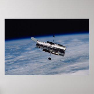 Póster Telescopio espacial y tierra de Hubble