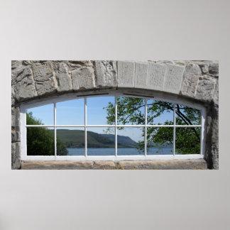 Póster Ventana arqueada - vista falsa del lago