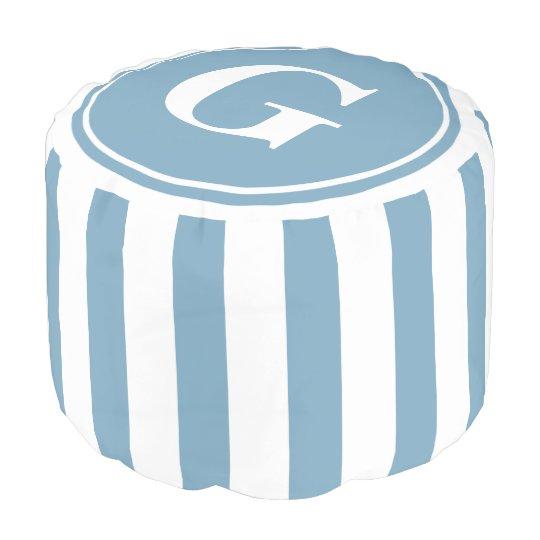 Pouf Carolina azul y el blanco raya el monograma