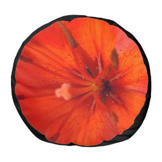 Pouf Lirio ardiente del naranja y del rojo II