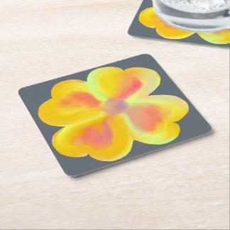 Práctico de costa amarillo de la flor de la sol posavasos de papel cuadrado