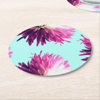 Práctico de costa redondo floral del contraste posavasos de papel redondo