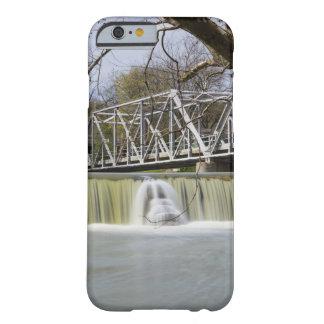 Presa de Finley después de la lluvia Funda Barely There iPhone 6