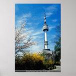 Primavera, torre de Namsan, Seul, Corea del Sur Posters