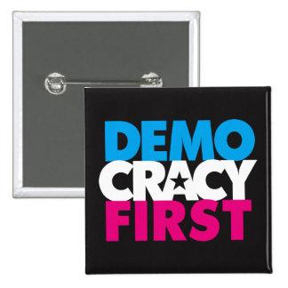 Primer botón de la democracia