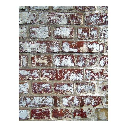 Primer de una pared de ladrillo áspera con el PA b Flyer A Todo Color