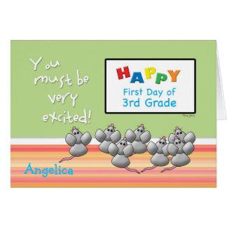 Primer día de ratones lindos del 3ro grado y de tarjeta de felicitación