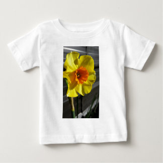 primer narciso camiseta de bebé