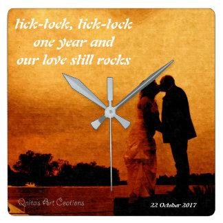 Primer recuerdo del aniversario de boda del año reloj cuadrado