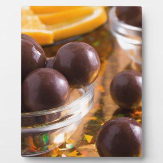 Primer redondo del chocolate del caramelo placa expositora