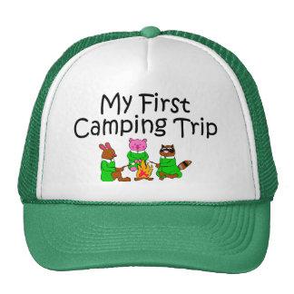 Primera acampada que acampa gorro de camionero