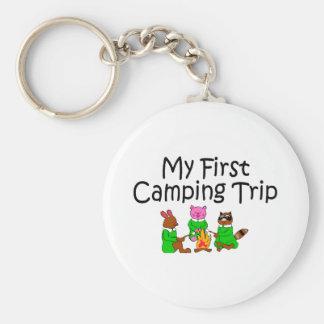 Primera acampada que acampa llavero personalizado