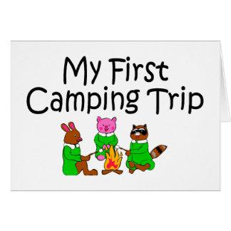 Primera acampada que acampa tarjeta de felicitación