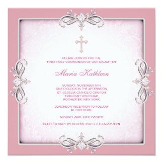 Primera comunión del damasco de la cruz del rosa invitación 13,3 cm x 13,3cm