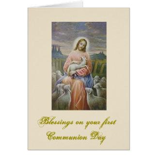 Primera comunión santa para el muchacho y el chica tarjeta de felicitación