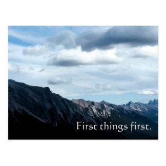 Primera de las cosas postal del lema de la