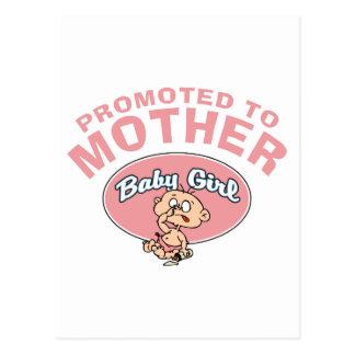 Primera niña de la nueva madre divertida postal