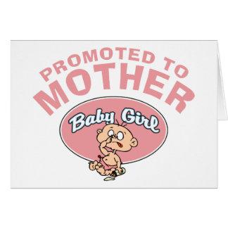 Primera niña de la nueva madre divertida tarjeta de felicitación