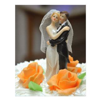 Primero del pastel de bodas de novia y del novio tarjetones