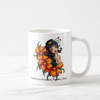 Princesa anaranjada japonesa del flor del tatuaje taza de café