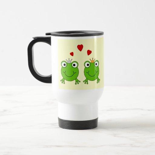 Princesa de la rana y príncipe de la rana, con los taza de café