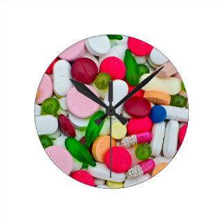 Producto colorido del personalizado de las reloj redondo mediano