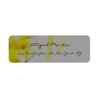 Profesional abstracto gris amarillo de la etiqueta de remitente