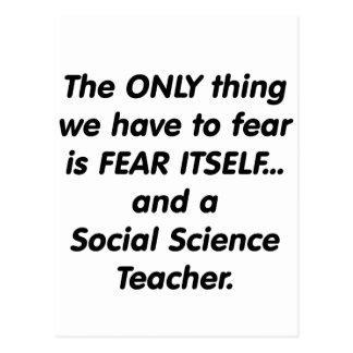 Profesor de ciencias sociales del miedo postal