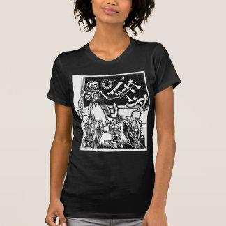 """Profesor y estudiantes esqueléticos """"día del camiseta"""
