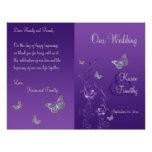 Programa floral del boda de la mariposa gris púrpu