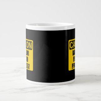 Progreso de la despedida de soltero de la taza de café gigante