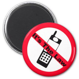 Prohibición del teléfono es la ley iman de nevera
