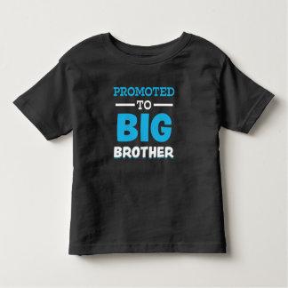 Promovido a hermano mayor la camisa de chico