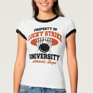 Propiedad de los bolos afortunados de la huelga camiseta
