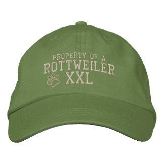 Propiedad de un gorra bordado Rottweiler