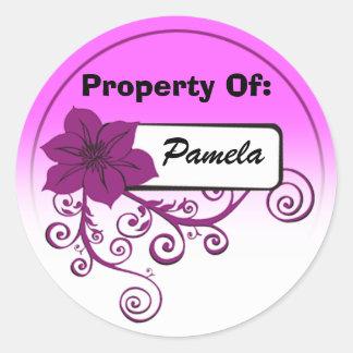 Propiedad del pegatina (púrpura y fondo florales)