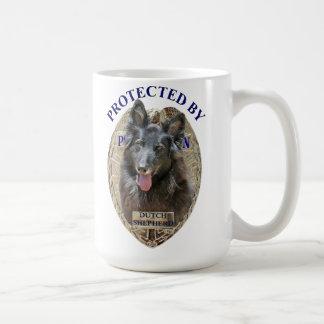 Protegido por el pastor holandés taza de café