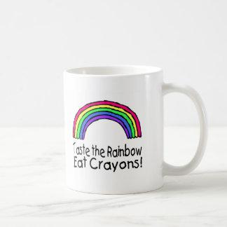 Pruebe el arco iris comen los creyones taza de café