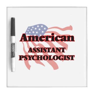 Psicólogo auxiliar americano tableros blancos