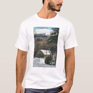 Puente cubierto en el saetín en invierno camiseta