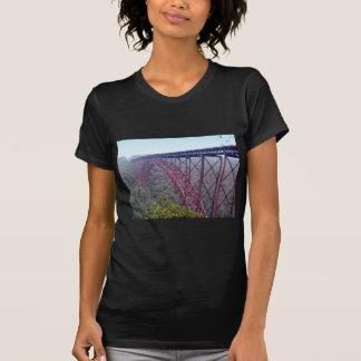 Puente de garganta de nuevo río camiseta