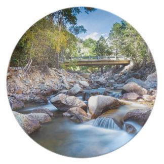 Puente de la cala de la montaña platos