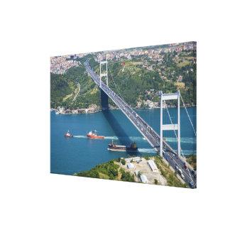 Puente de Mehmet del sultán de Fatih sobre el Bosp Lona Envuelta Para Galerías