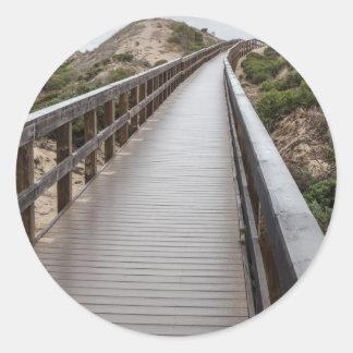 Puente del pie en el parque de estado del lago oso