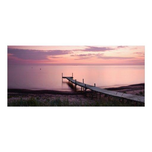 Puente largo en la puesta del sol de la pinta en e impresiones fotográficas
