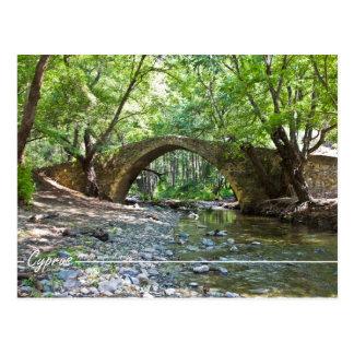 puente medieval de los kelefos en la postal de