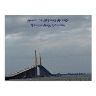 Puente Tampa Bay, FL de Skyway de la sol. Postal