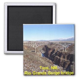 Puente Taos, New México de la garganta del Rio Gra Imán Cuadrado