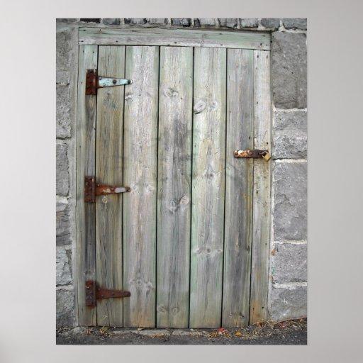 Puerta de madera vieja en una pared de piedra posters zazzle for Puerta vieja madera